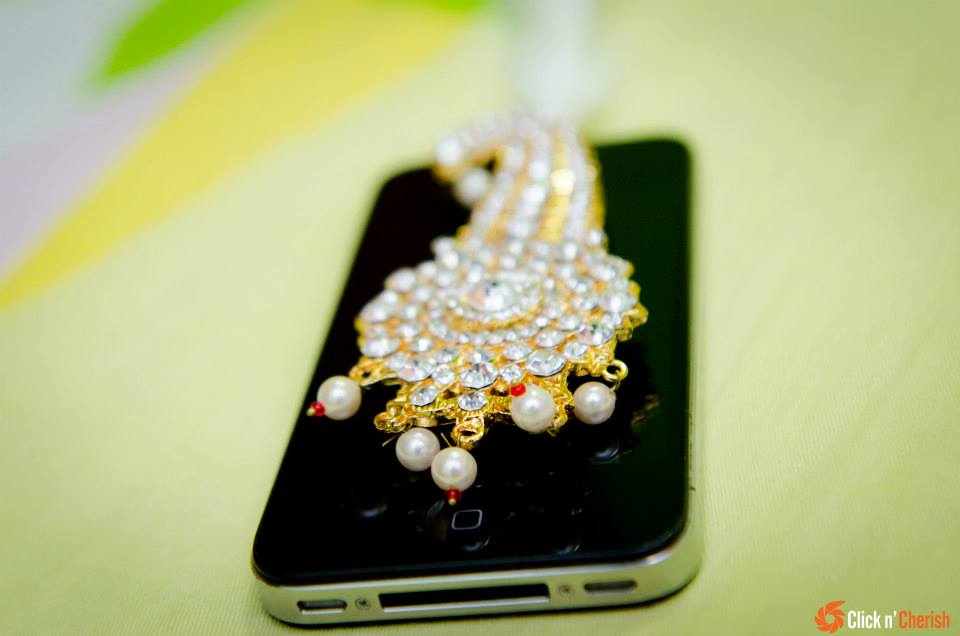 Kalangi Brooch With White Pearls by Dushyantha Kumar C Groom-wear-and-accessories | Weddings Photos & Ideas