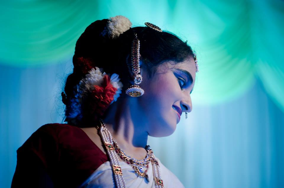 Beautiful indian dancer by Click n' Cherish Wedding-photography | Weddings Photos & Ideas