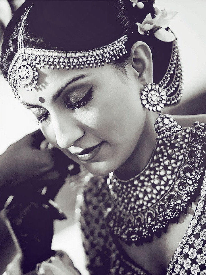 Gorgeous Bride In Kundan jewellery by Rajesh Luthra Bridal-jewellery-and-accessories | Weddings Photos & Ideas