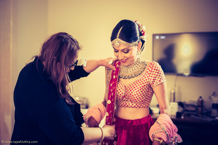 All Geared Up For The Big Day by Rajesh Luthra Wedding-photography Bridal-jewellery-and-accessories | Weddings Photos & Ideas