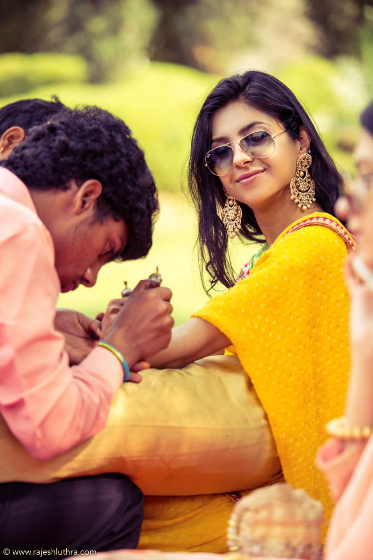Quirky Bride On Her Mehendi by Rajesh Luthra Wedding-photography | Weddings Photos & Ideas