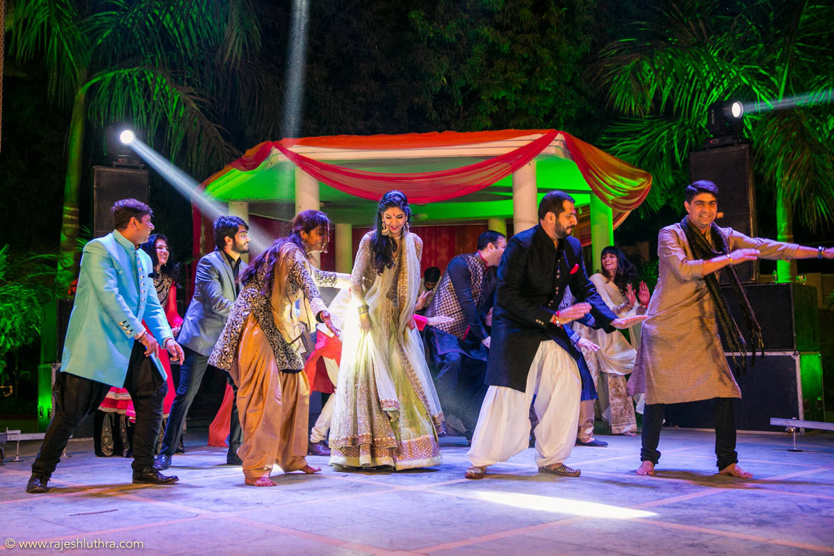 Dancing to the tune by Rajesh Luthra Photography Wedding-photography | Weddings Photos & Ideas