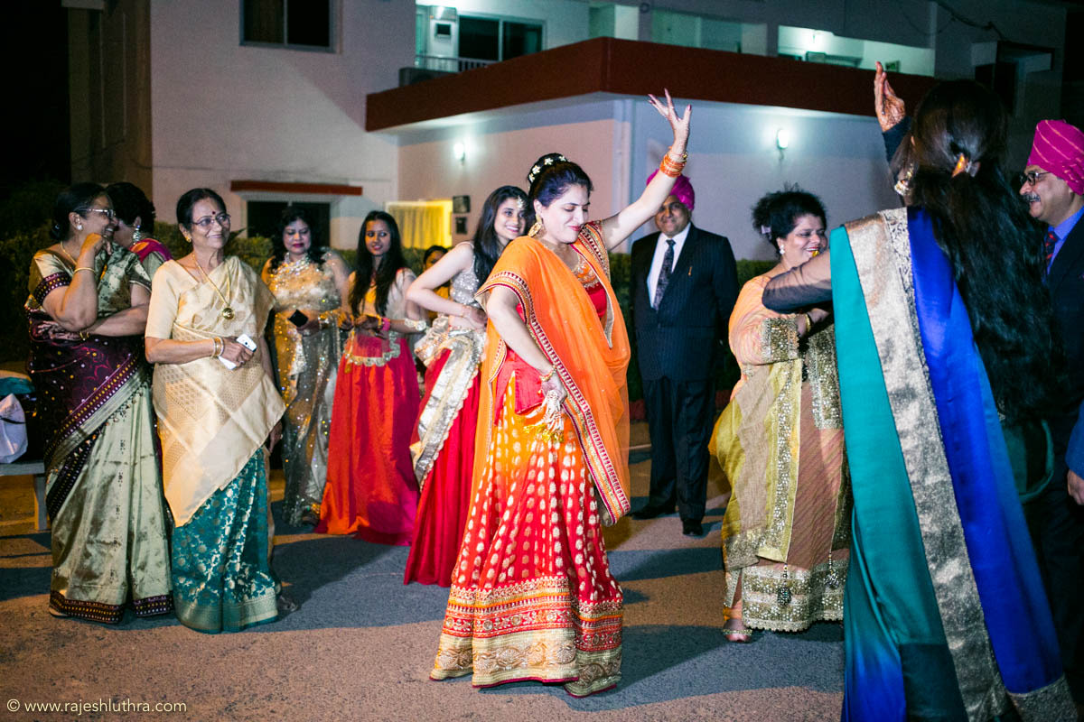On the dance floor by Rajesh Luthra Photography Wedding-photography | Weddings Photos & Ideas