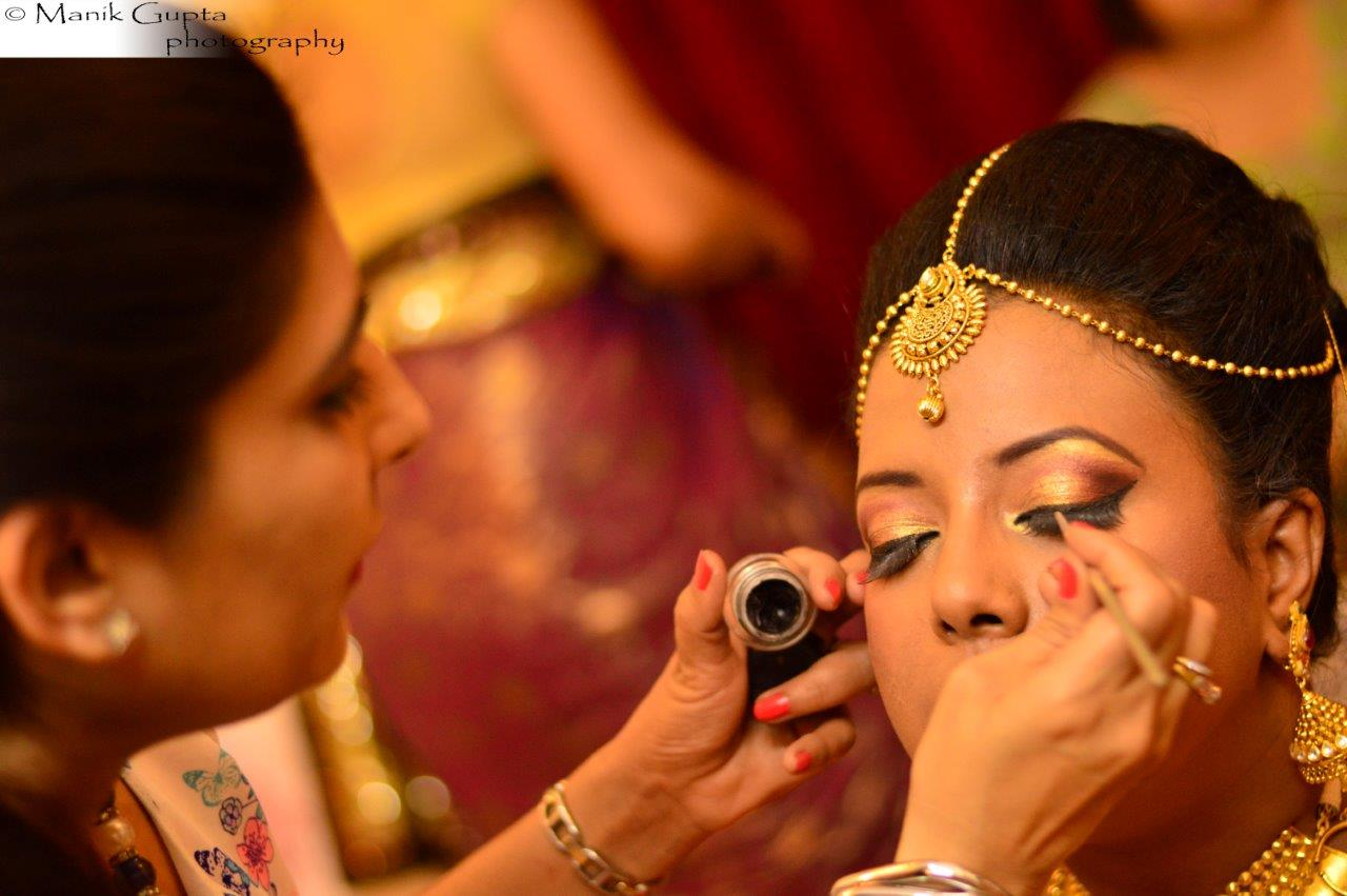 Well defined eye makeup by Richa Malik Bridal-makeup | Weddings Photos & Ideas