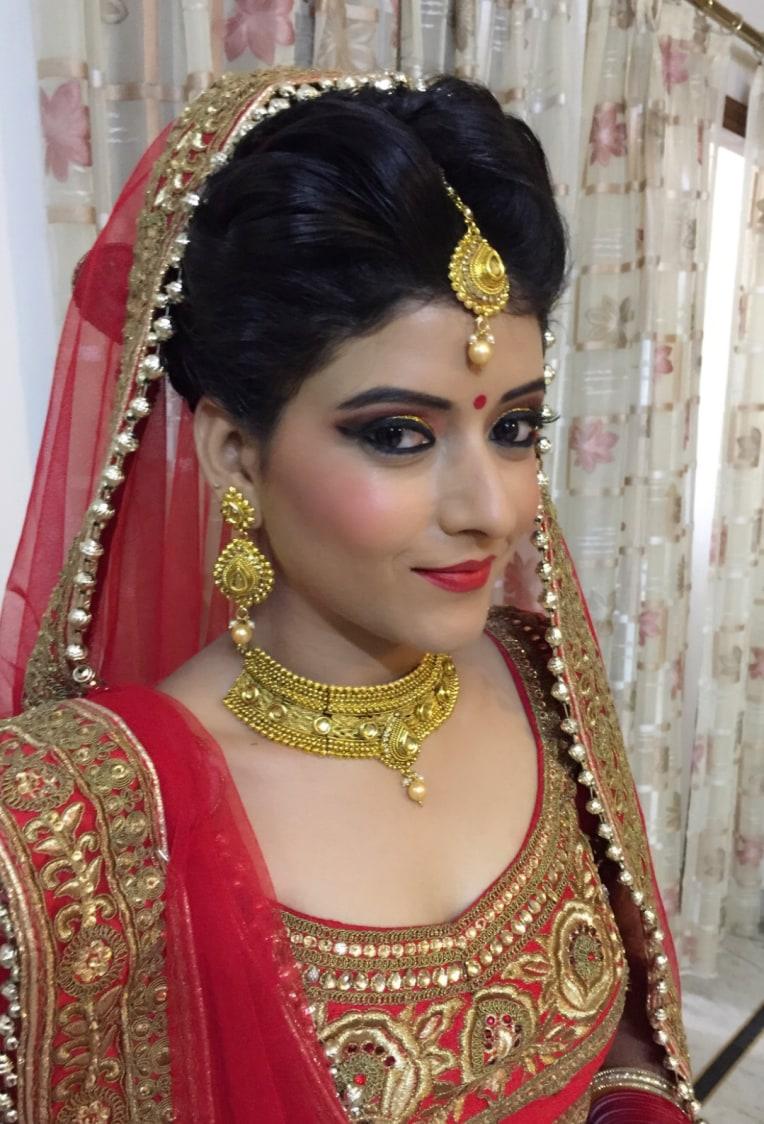 Keeping the look soft yet striking! by Richa Malik Bridal-makeup   Weddings Photos & Ideas