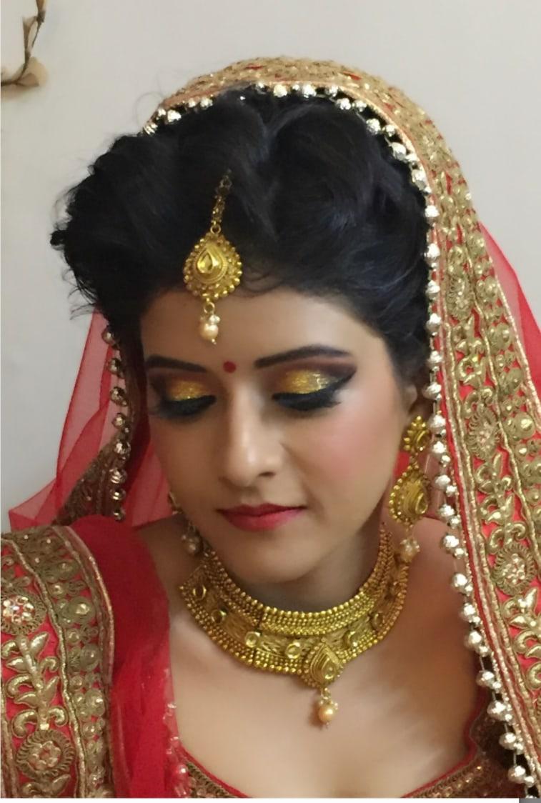 Scintillate eye make-up by Richa Malik Bridal-makeup | Weddings Photos & Ideas