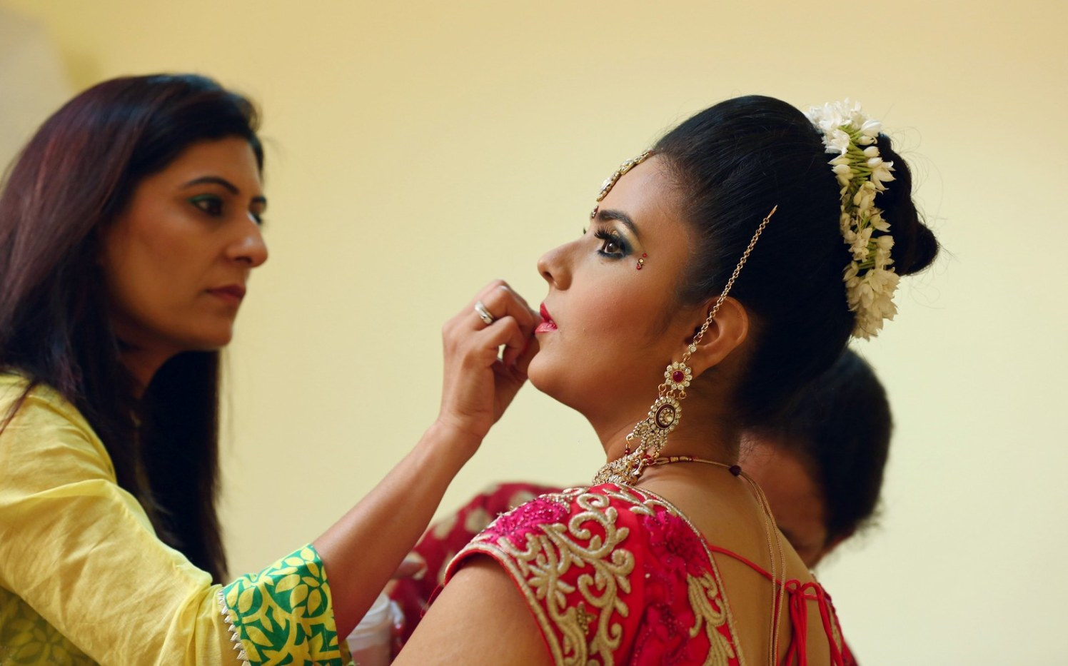 Bridal touch up by Richa Malik Bridal-makeup | Weddings Photos & Ideas