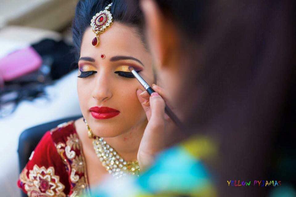 Well defined eye  makeup by Richa Malik Bridal-makeup | Weddings Photos & Ideas