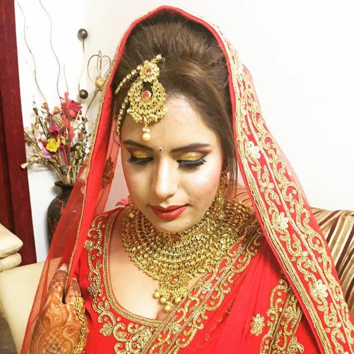 Spangling eye makeup by Richa Malik Bridal-makeup   Weddings Photos & Ideas
