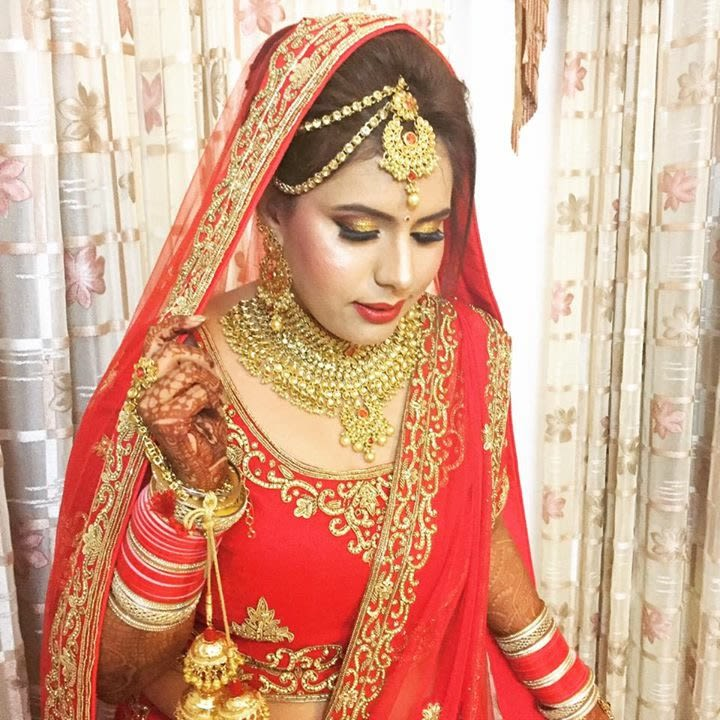 Colossal jewellery in sync with with subtle look by Richa Malik Bridal-makeup | Weddings Photos & Ideas