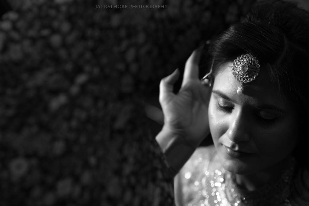 Candid Click Of The Bride by Jai Rathore Wedding-photography Bridal-jewellery-and-accessories | Weddings Photos & Ideas