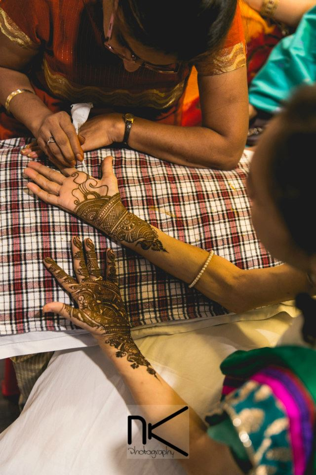 The mehndi ceremony begins in full swing by Nikhil Kapur Photography Wedding-photography | Weddings Photos & Ideas