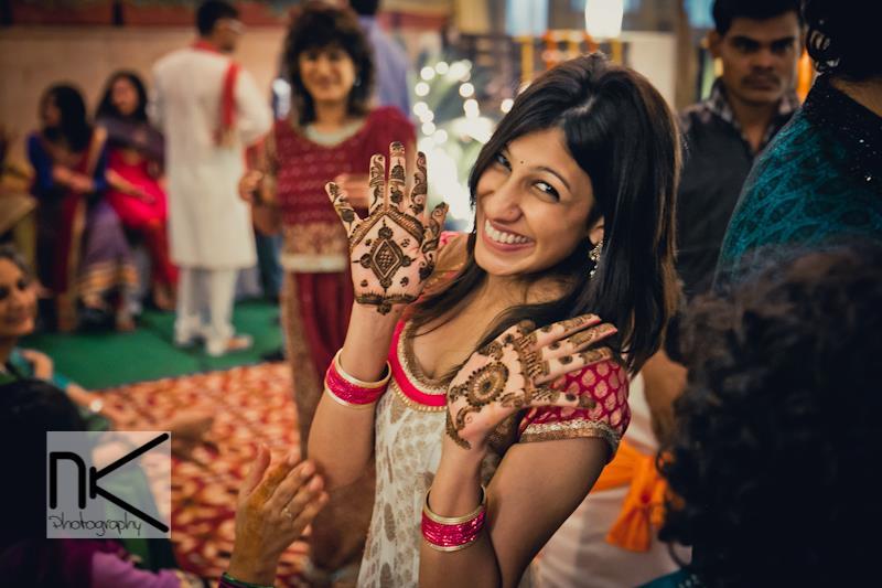 Mehndi and smile - On point by Nikhil Kapur Photography Wedding-photography | Weddings Photos & Ideas