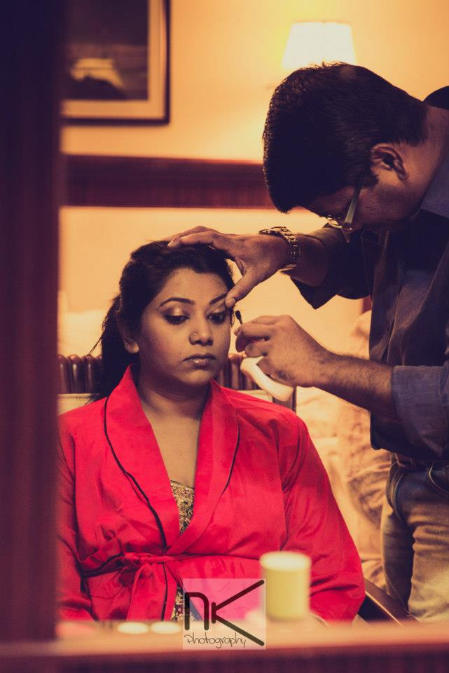 The make up stylist at work by Nikhil Kapur Photography Wedding-photography | Weddings Photos & Ideas