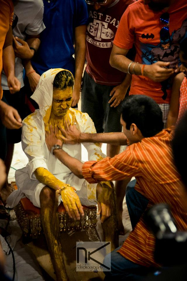 Haldi ceremony goes on in full swing by Nikhil Kapur Photography Wedding-photography | Weddings Photos & Ideas
