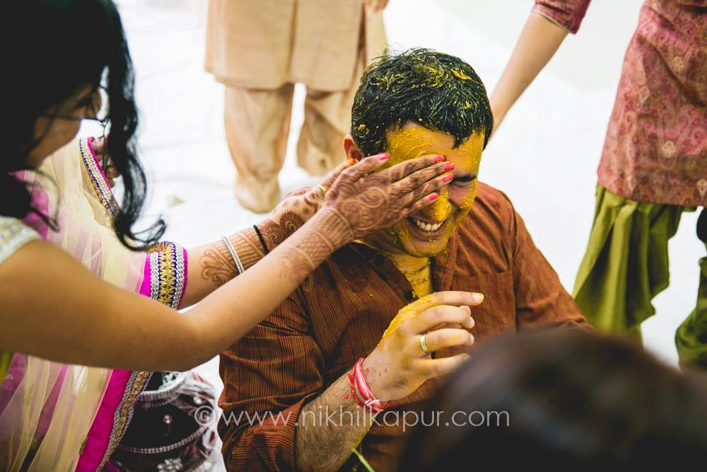 And the haldi ceremony begins by Nikhil Kapur Photography Wedding-photography | Weddings Photos & Ideas