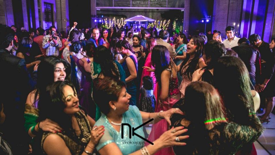 Wedding guests go candid by Nikhil Kapur Photography Wedding-photography | Weddings Photos & Ideas