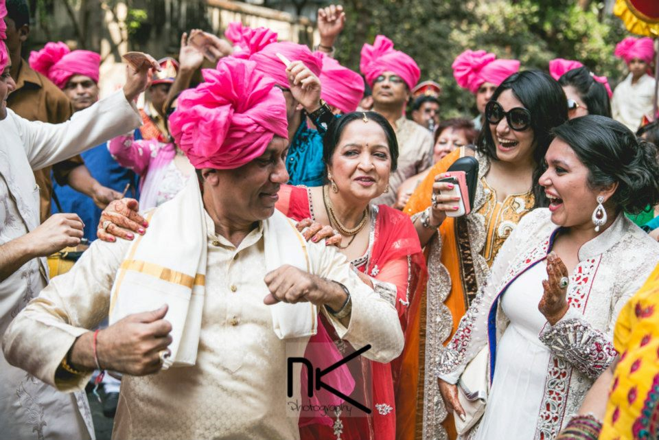 Wedding guests at their best by Nikhil Kapur Photography Wedding-photography | Weddings Photos & Ideas