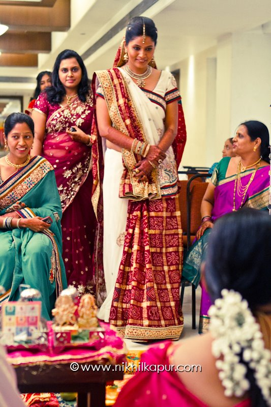 The candid bride by Nikhil Kapur Photography Wedding-photography | Weddings Photos & Ideas
