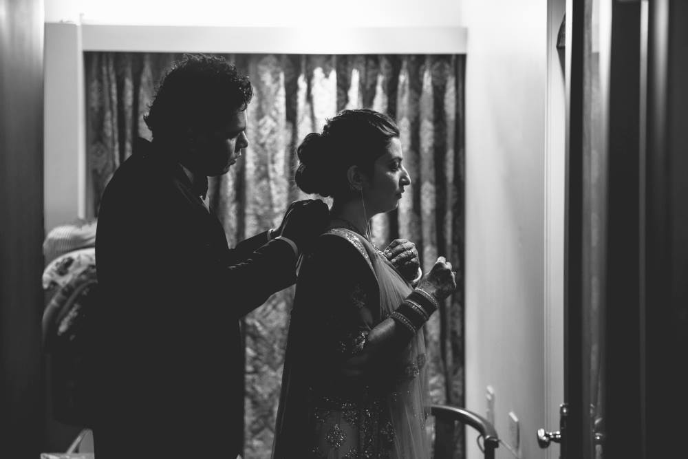 Assisting the bride by Nikhil Kapur Photography Wedding-photography | Weddings Photos & Ideas