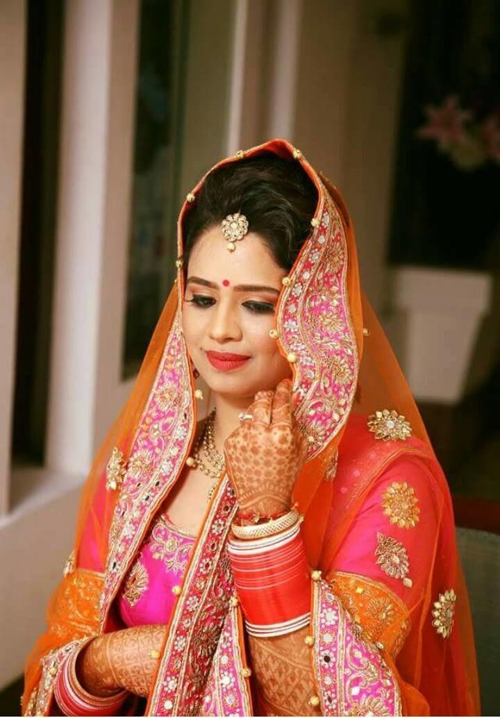 Vibrant look of a bride by Nishi Singh Bridal-makeup | Weddings Photos & Ideas