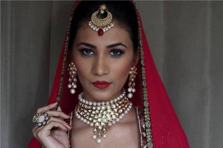 The graceful bride by Nishi Singh Bridal-makeup | Weddings Photos & Ideas