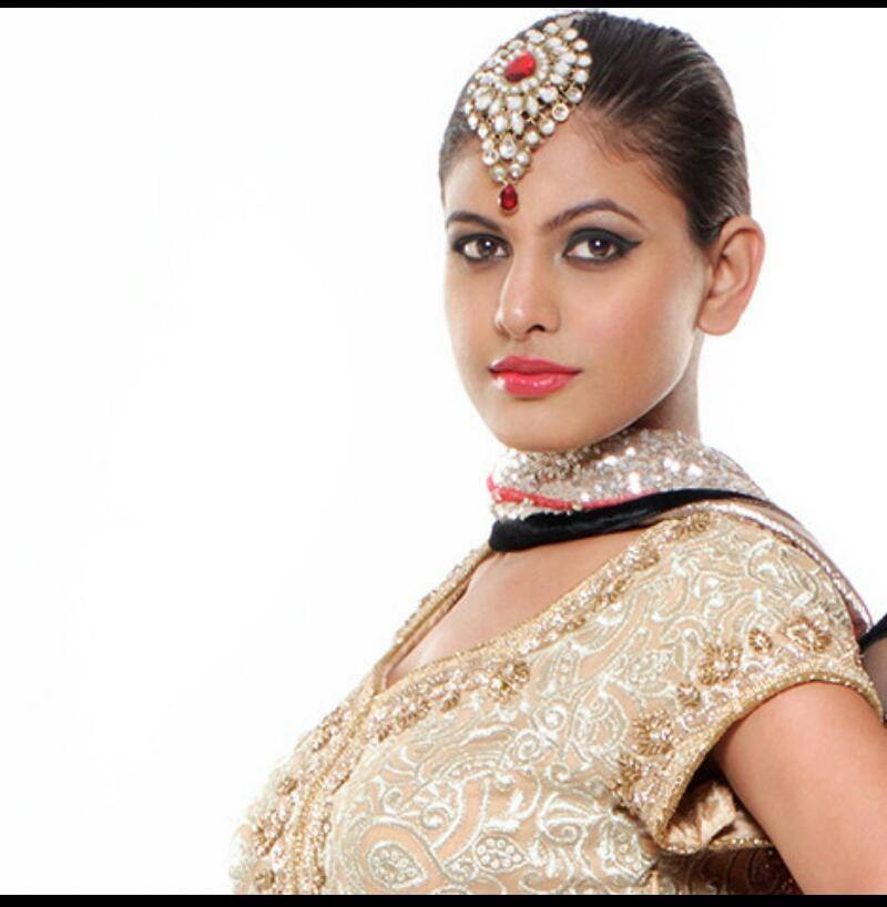 The classic beauty by Nishi Singh Bridal-makeup | Weddings Photos & Ideas