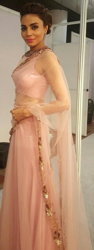 Nude look of a bride by Nishi Singh Bridal-makeup | Weddings Photos & Ideas