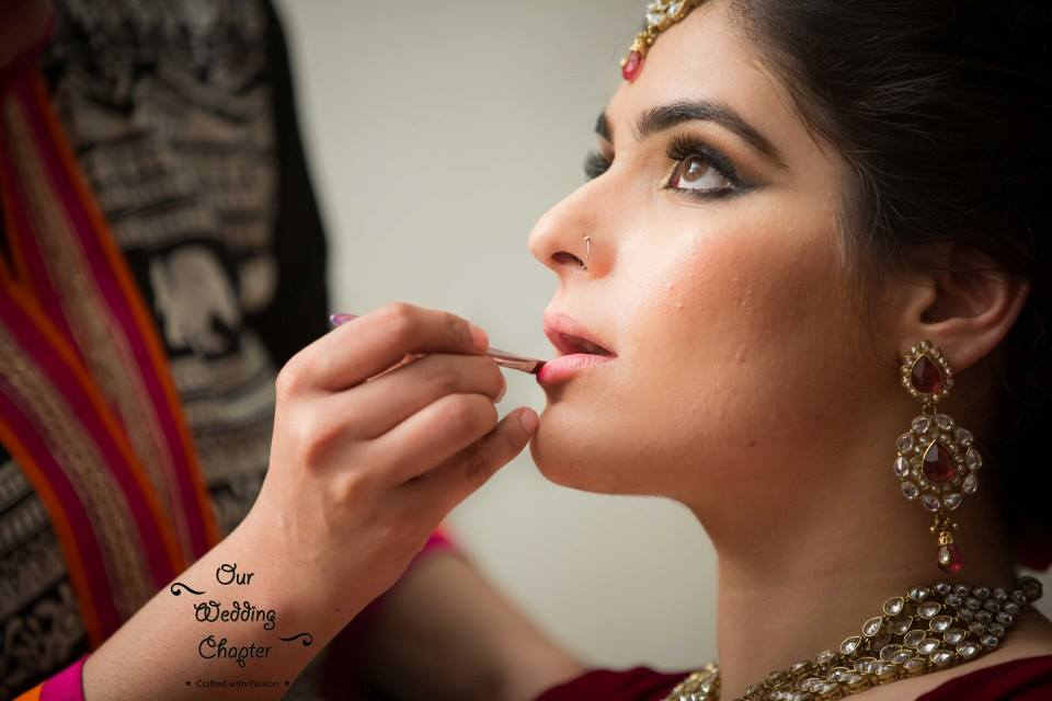 Getting primped up by Pooja Sonik Shukla Bridal-makeup | Weddings Photos & Ideas