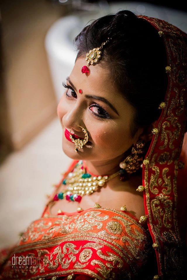 Stealing the limelight by Pooja Sonik Shukla Bridal-makeup | Weddings Photos & Ideas
