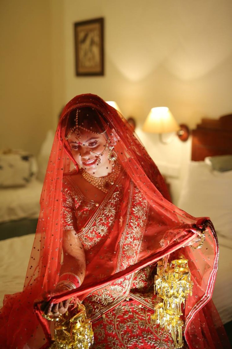 The veil and the kaleeras by Ayushi Tayal Wedding-photography | Weddings Photos & Ideas