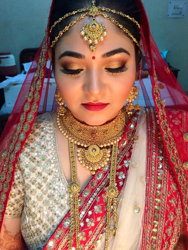 Rudimentary makeup look by Ayushi Tayal Bridal-makeup | Weddings Photos & Ideas