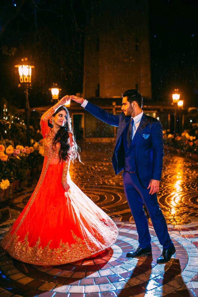 Twirling around by ULike Fotographia Wedding-photography   Weddings Photos & Ideas
