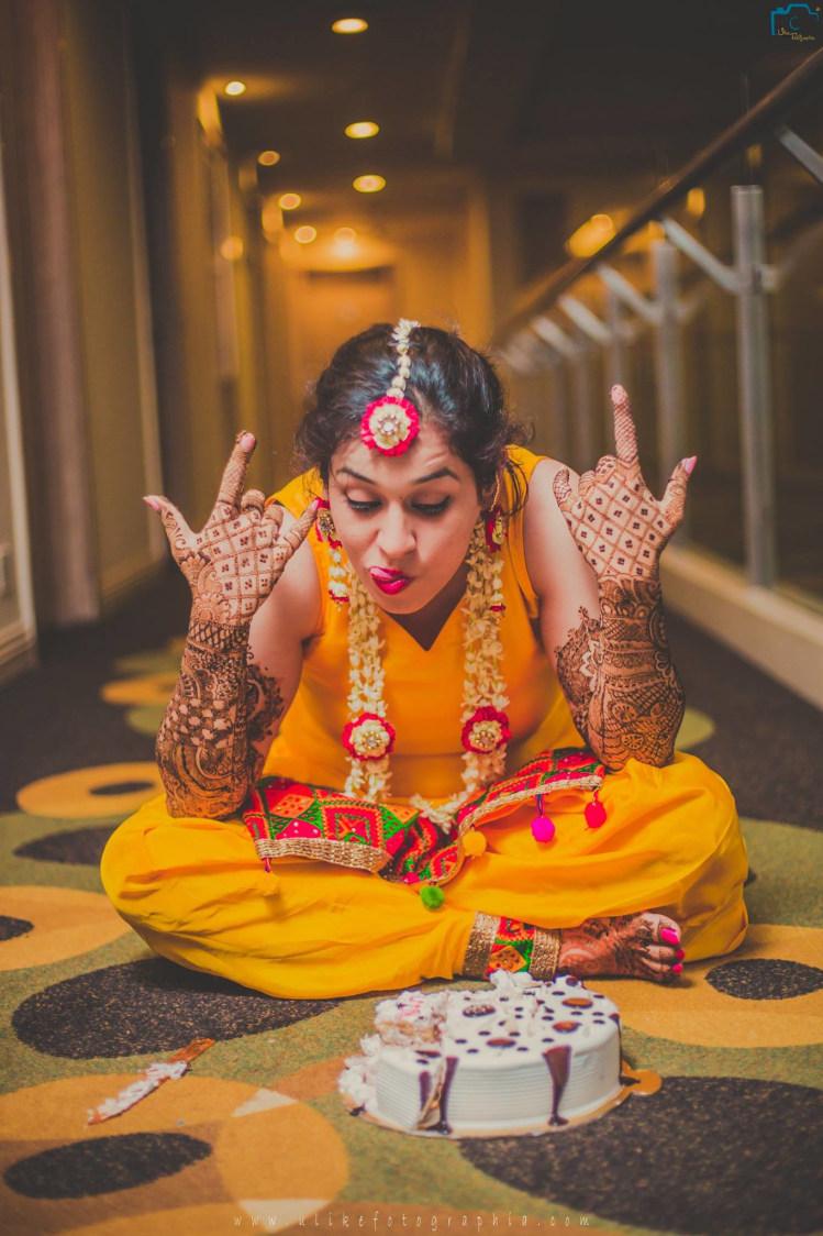 Gonna eat it soon by ULike Fotographia Wedding-photography | Weddings Photos & Ideas