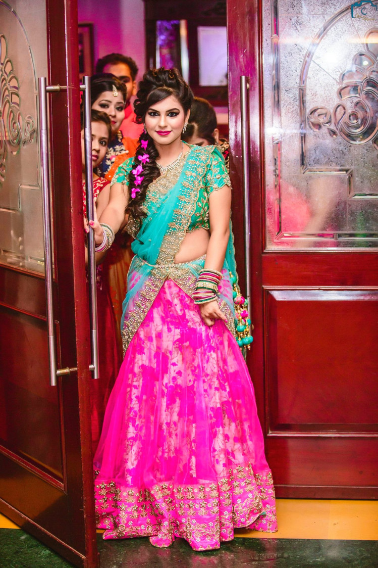 Pink lehenga with the blend of blue by ULike Fotographia Wedding-photography | Weddings Photos & Ideas