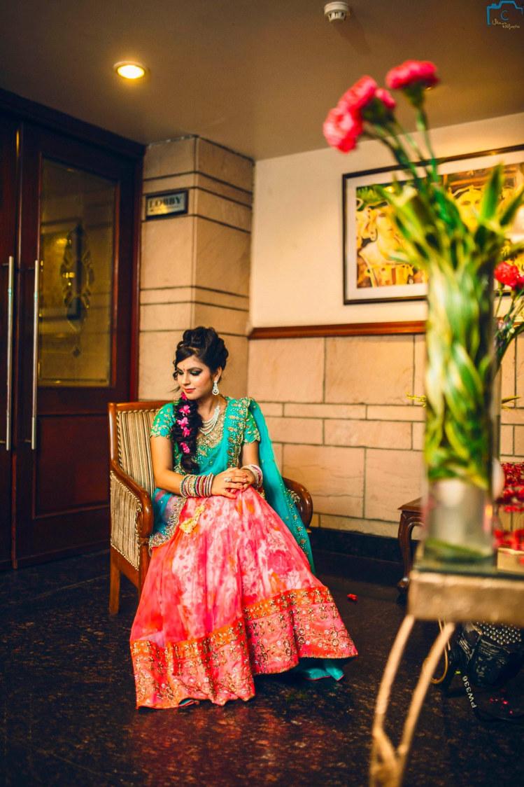 Stunning attire of bride by ULike Fotographia Wedding-photography | Weddings Photos & Ideas