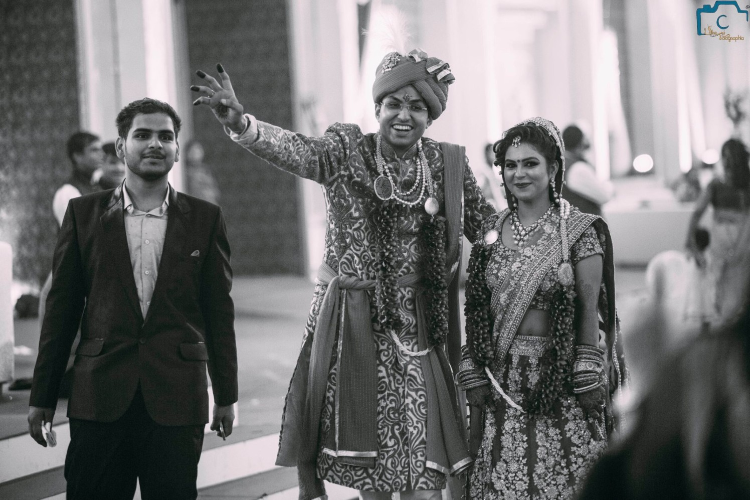 Happily posing by ULike Fotographia Wedding-photography | Weddings Photos & Ideas