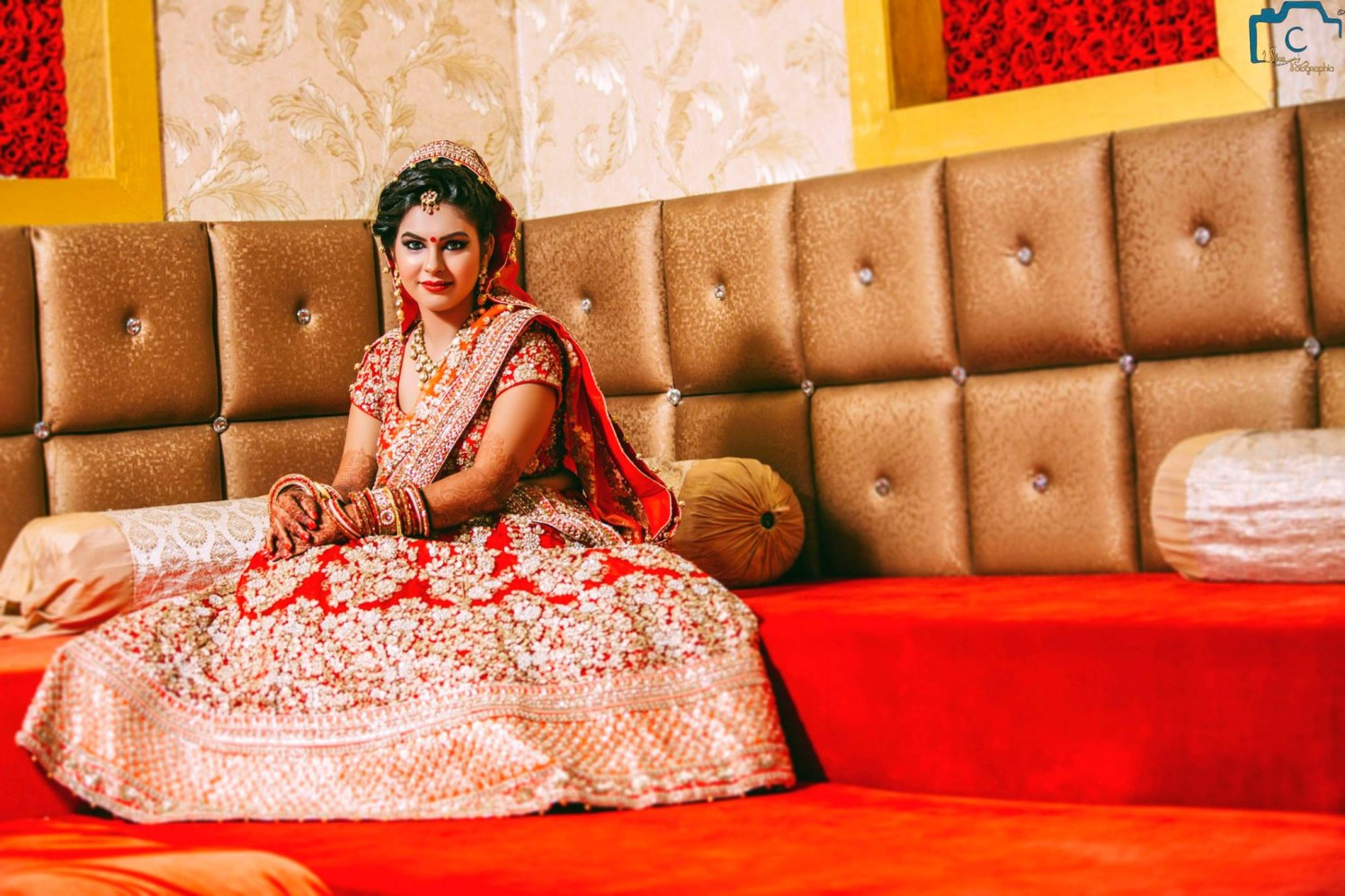 Beautiful wedding attire by ULike Fotographia Wedding-photography | Weddings Photos & Ideas