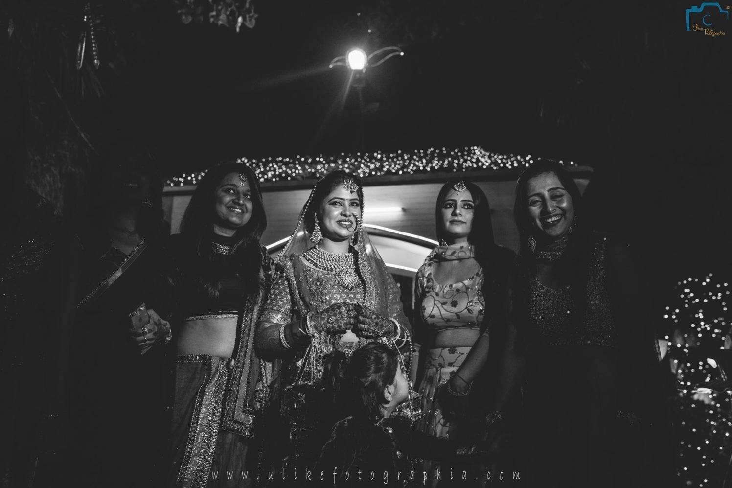 Bride and her girls by ULike Fotographia Wedding-photography   Weddings Photos & Ideas