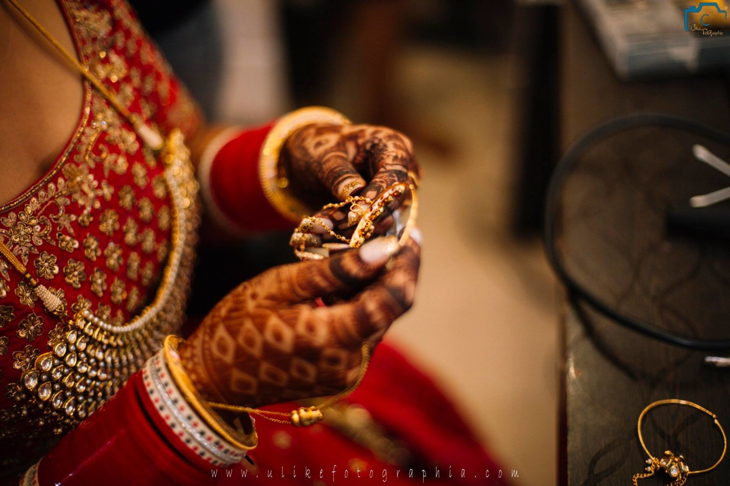 Shiny golden ornaments by ULike Fotographia Wedding-photography | Weddings Photos & Ideas