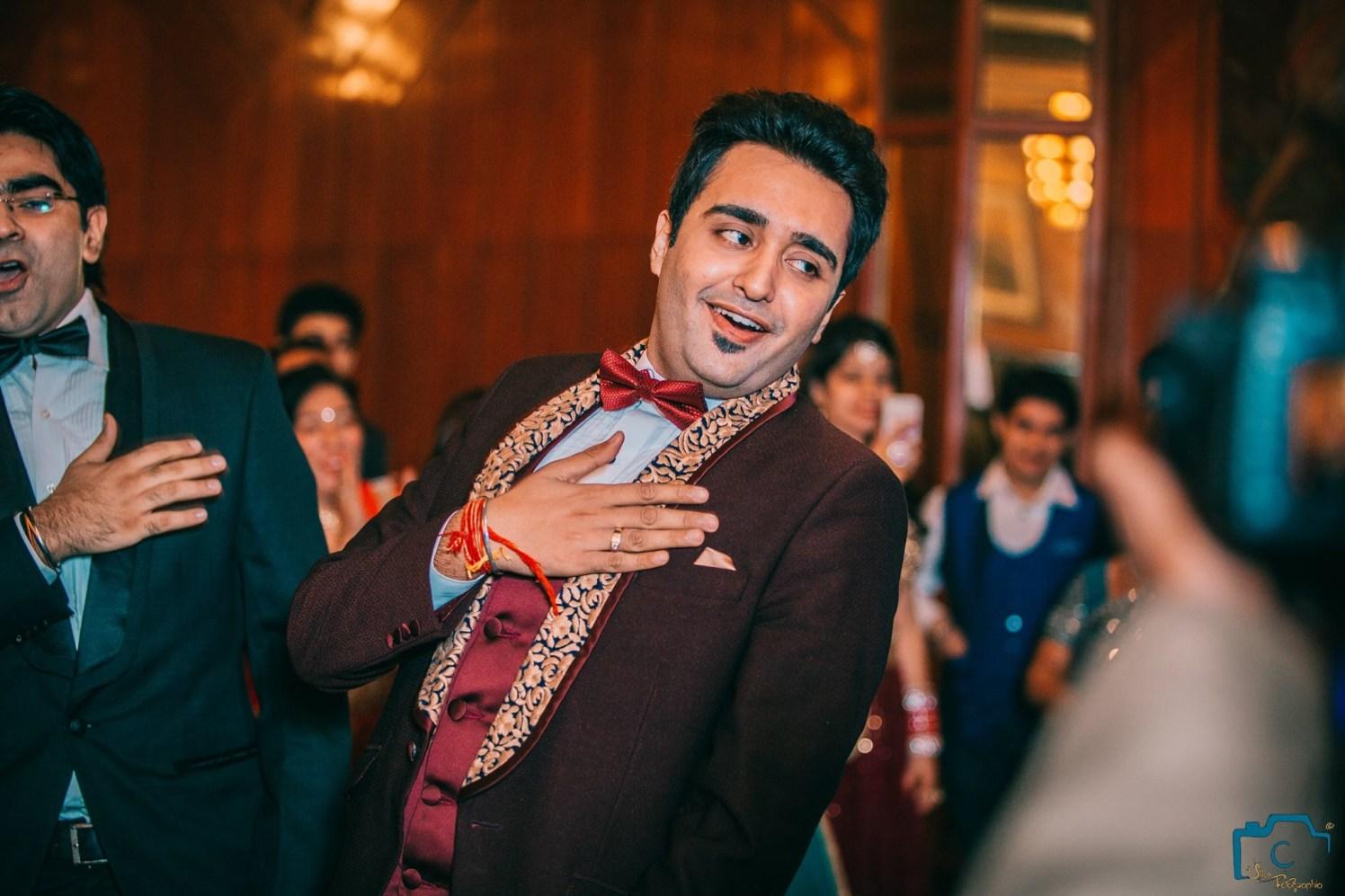 The groom dancing! by ULike Fotographia Wedding-photography | Weddings Photos & Ideas