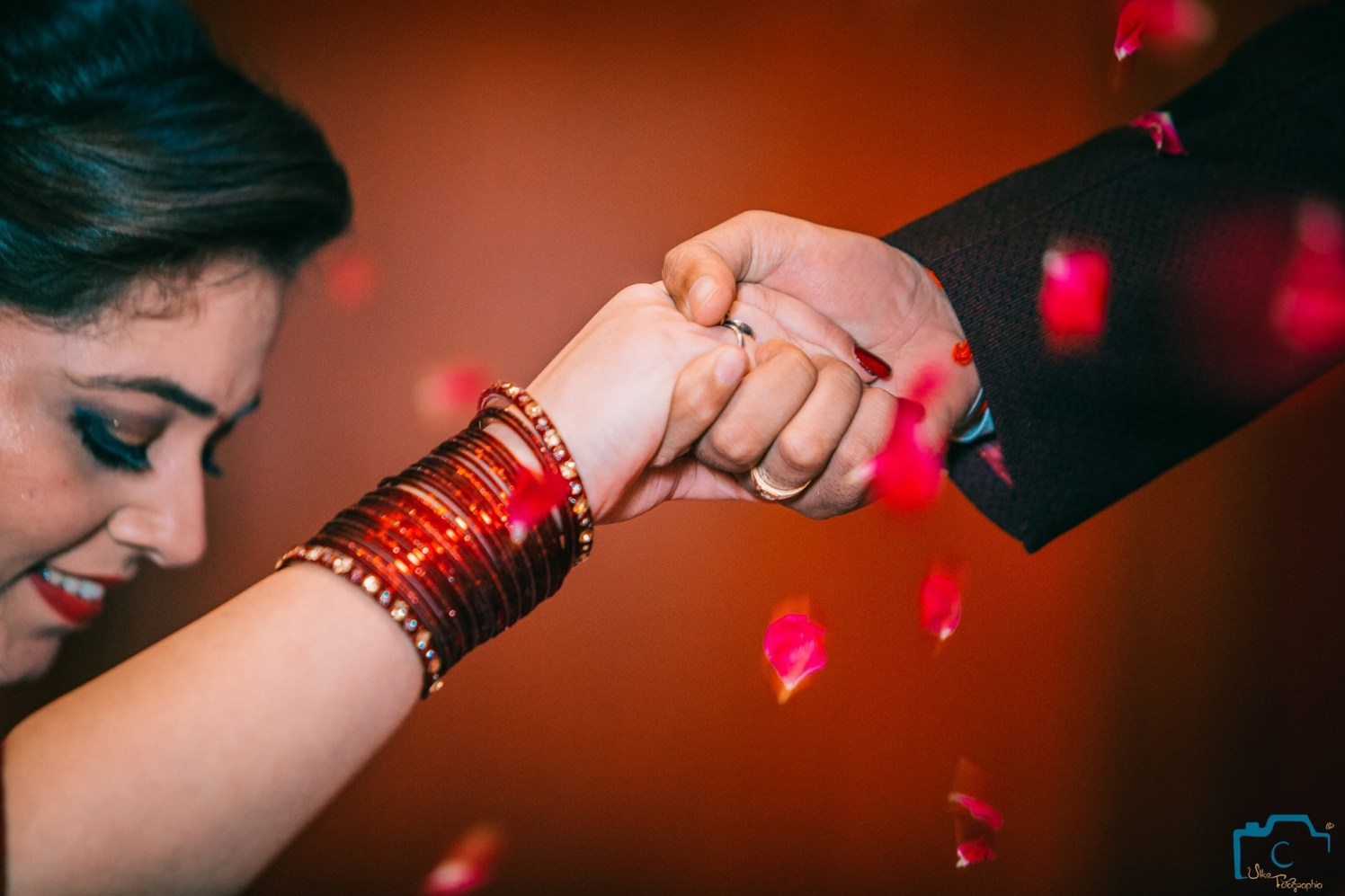 Striking bright bangles by ULike Fotographia Wedding-photography | Weddings Photos & Ideas