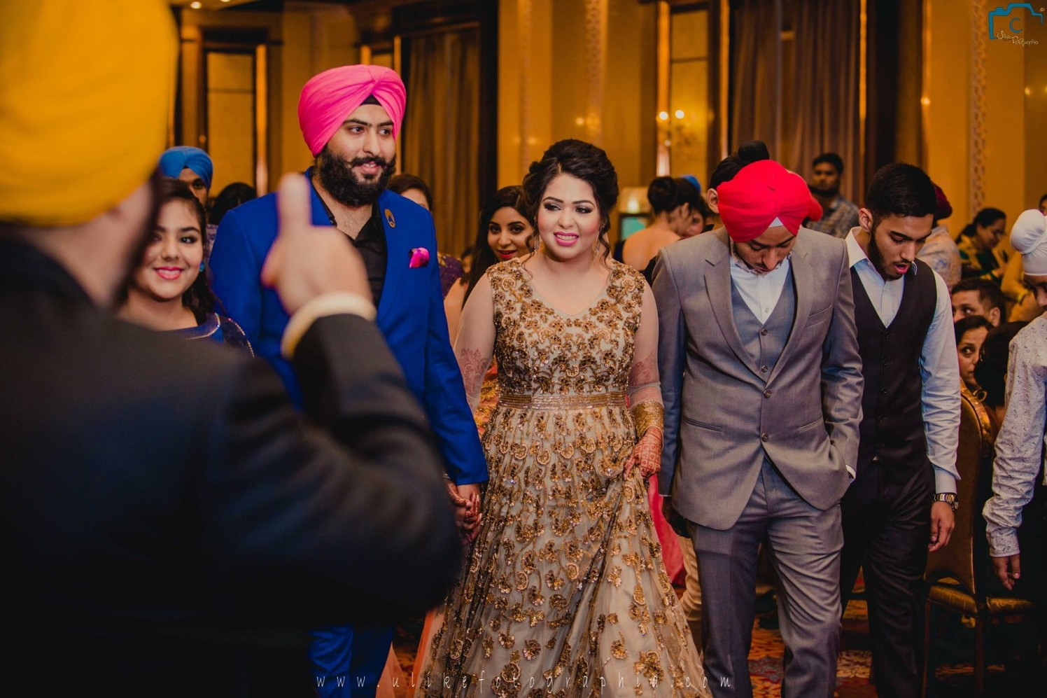 Dazzling golden attire by ULike Fotographia Wedding-photography | Weddings Photos & Ideas