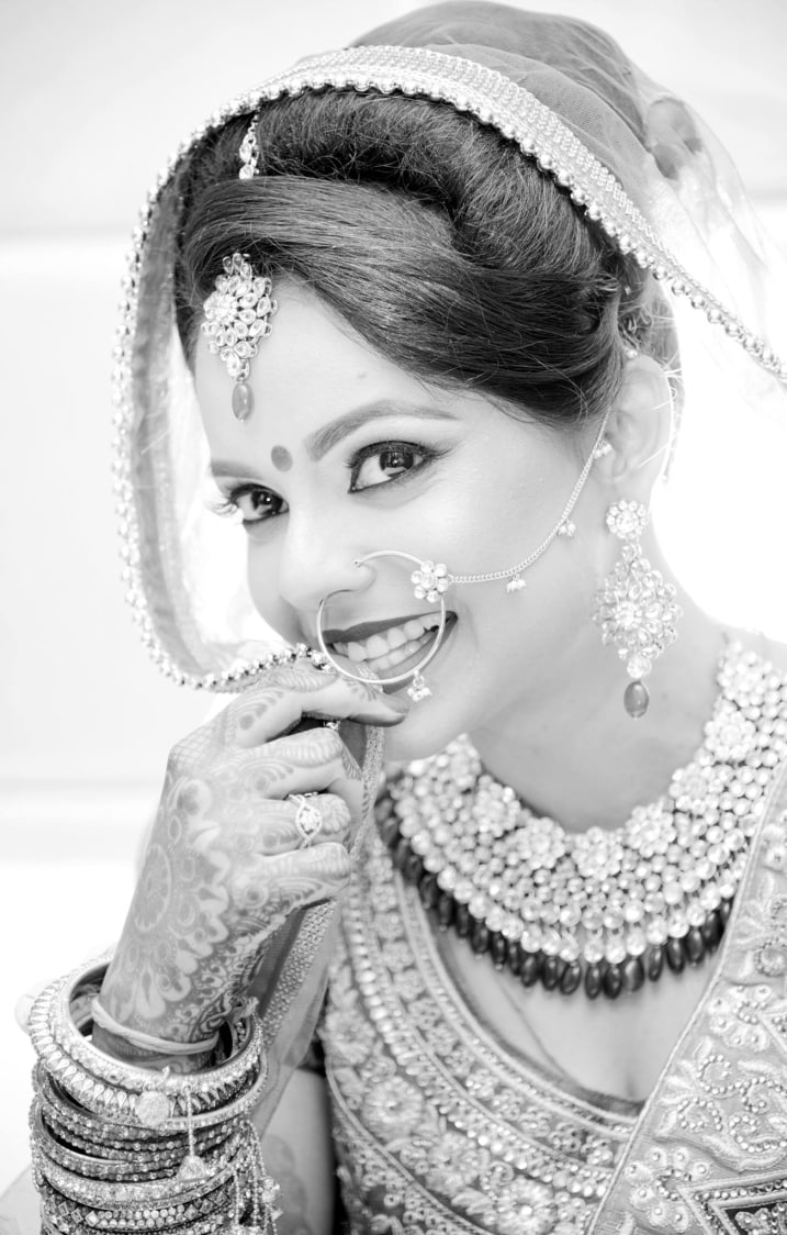 Black and White Bride Portrait by AKfotography Wedding-photography | Weddings Photos & Ideas