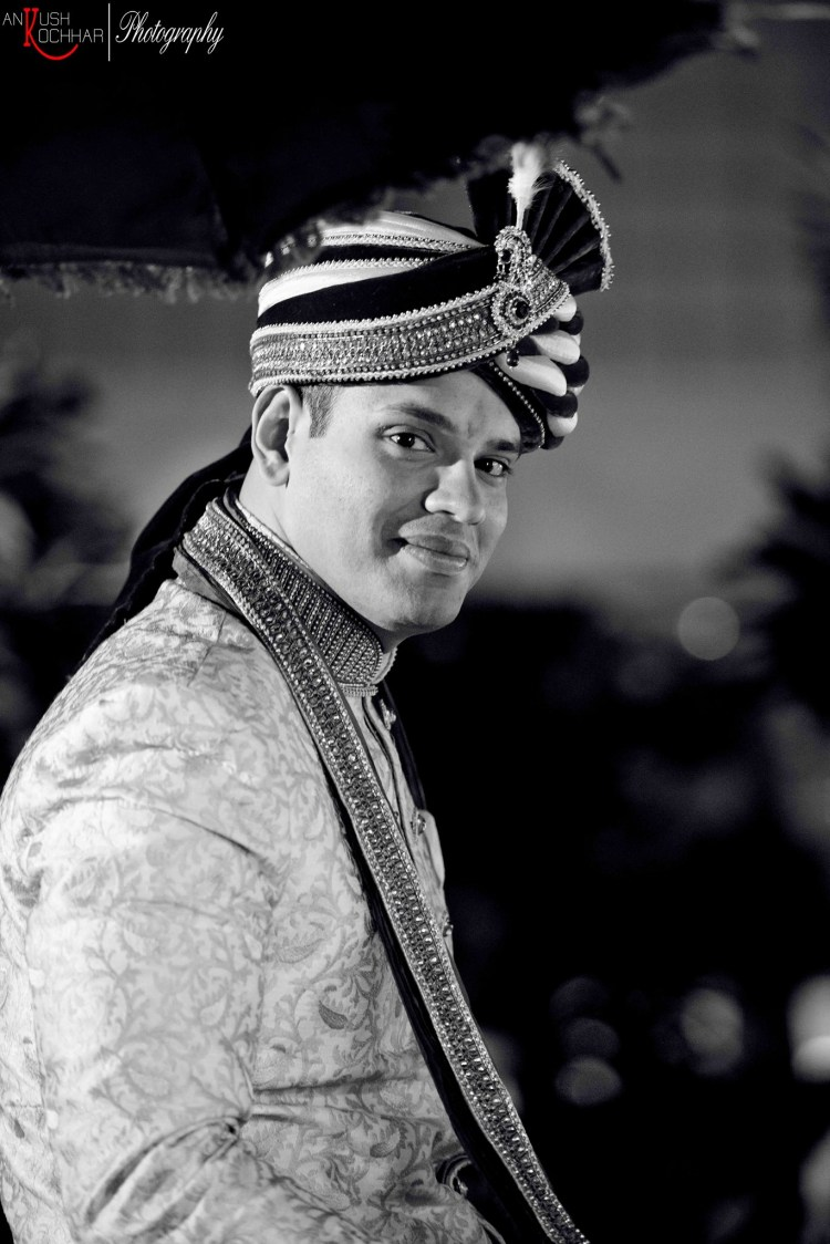 Indian groom by AKfotography Wedding-photography | Weddings Photos & Ideas