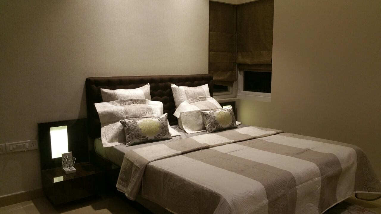 White Cushioned Bed by Sanjiv C Mehra Bedroom Contemporary | Interior Design Photos & Ideas