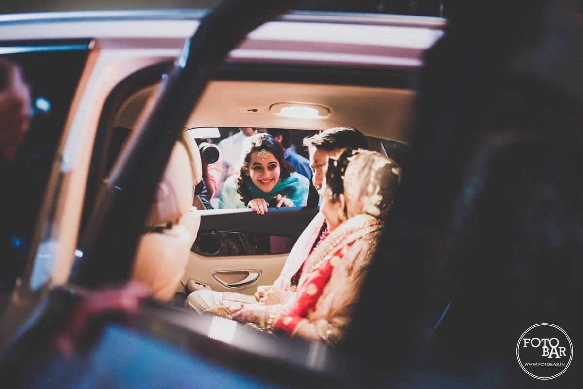 Cute au revoir by Fotobar Wedding-photography | Weddings Photos & Ideas