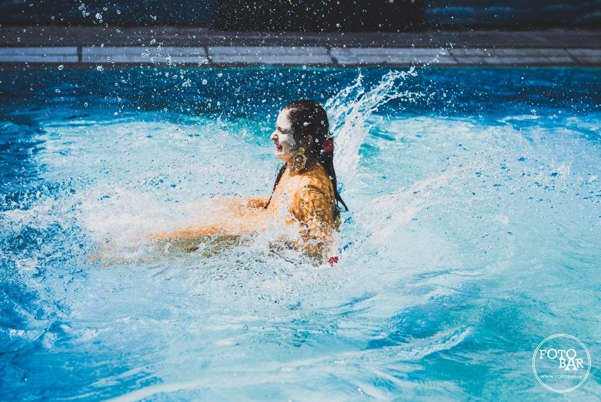 Beauty splash with fun by Fotobar Wedding-photography | Weddings Photos & Ideas