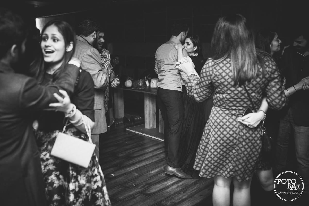 Dancing duet by Fotobar Wedding-photography | Weddings Photos & Ideas