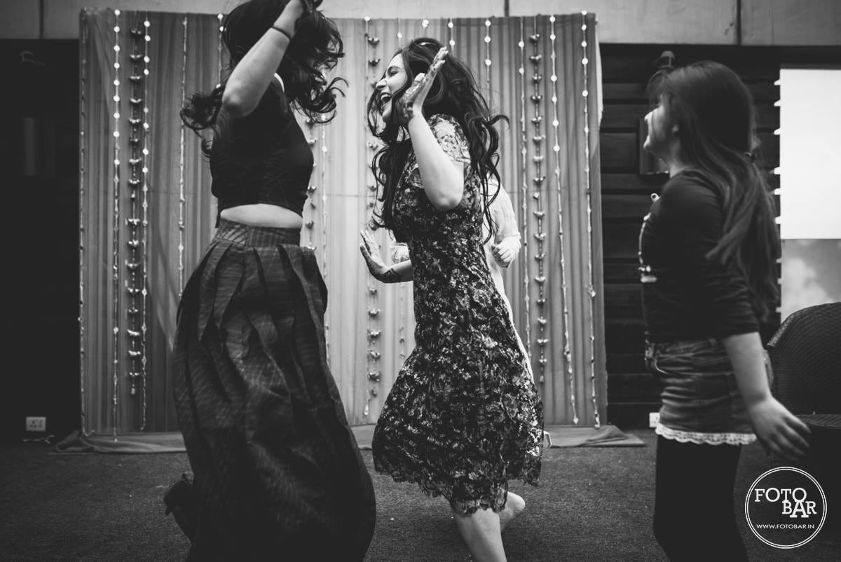Dance to express by Fotobar Wedding-photography | Weddings Photos & Ideas